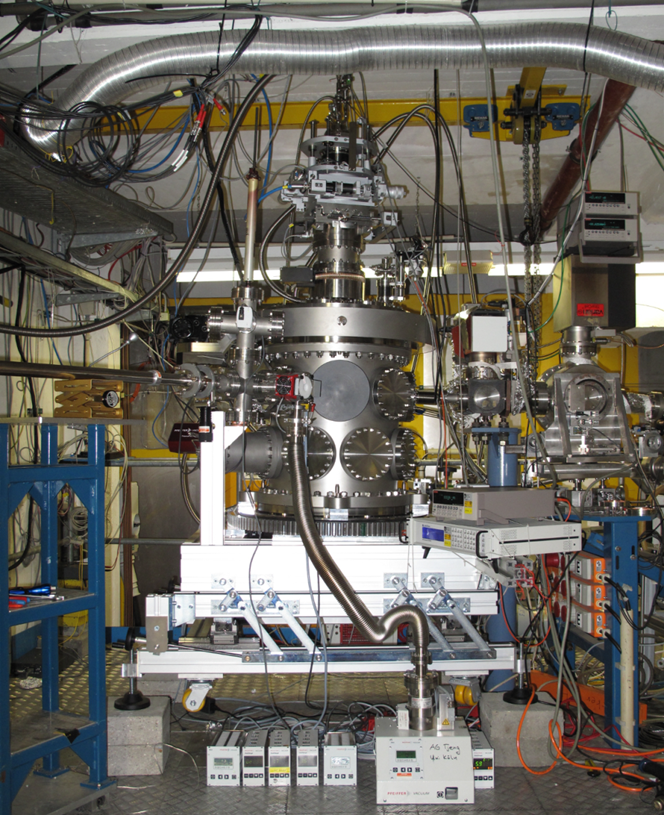 UHV diffractometer end station (the photo was taken at DORISIII by Dr. Buchholz). The end station is capable of performing  resonant x-ray scattering (RXS) as well as coherent diffraction experiments.